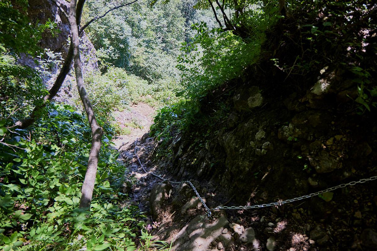 戸隠山-長い鎖場の連続はココで終わり