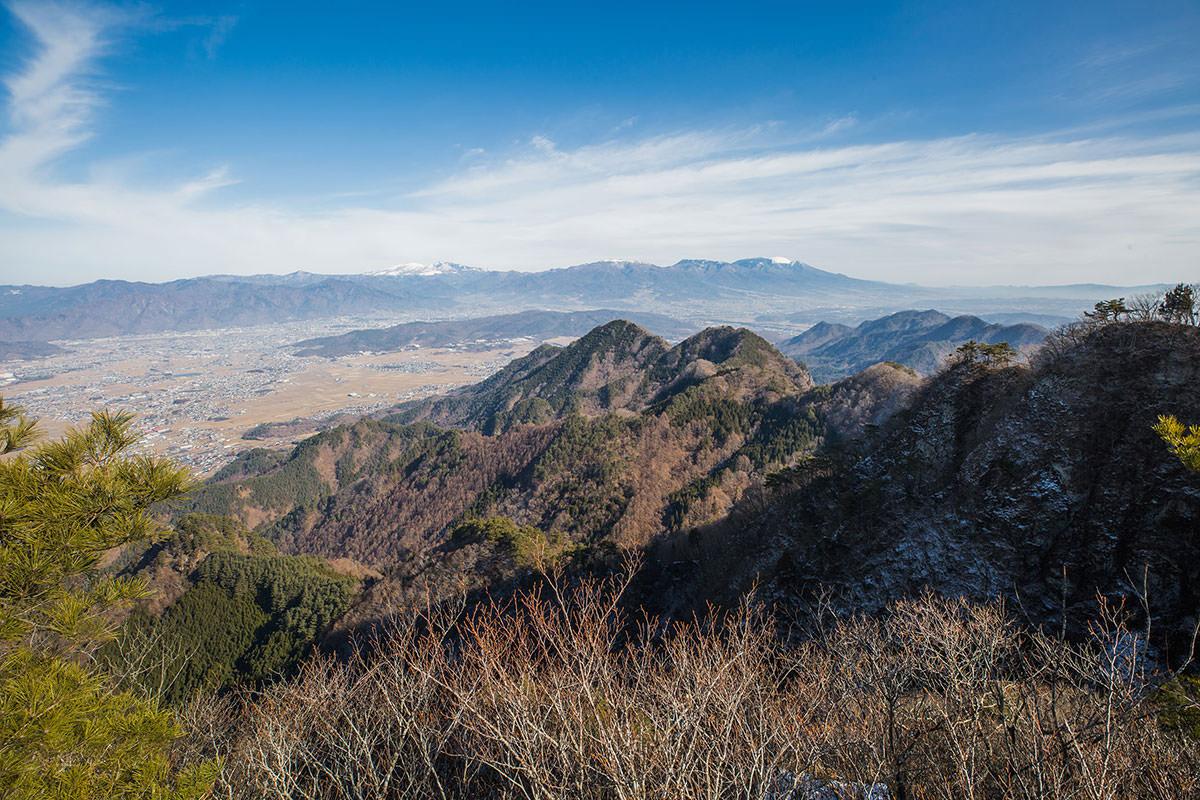 【独鈷山】登山百景-上田市街と浅間山