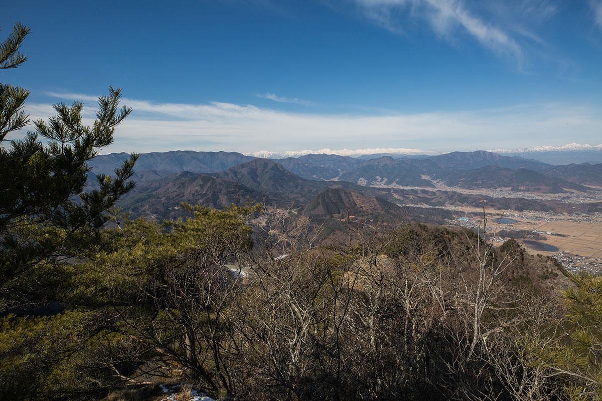 【独鈷山】登山百景-北アルプスが見える