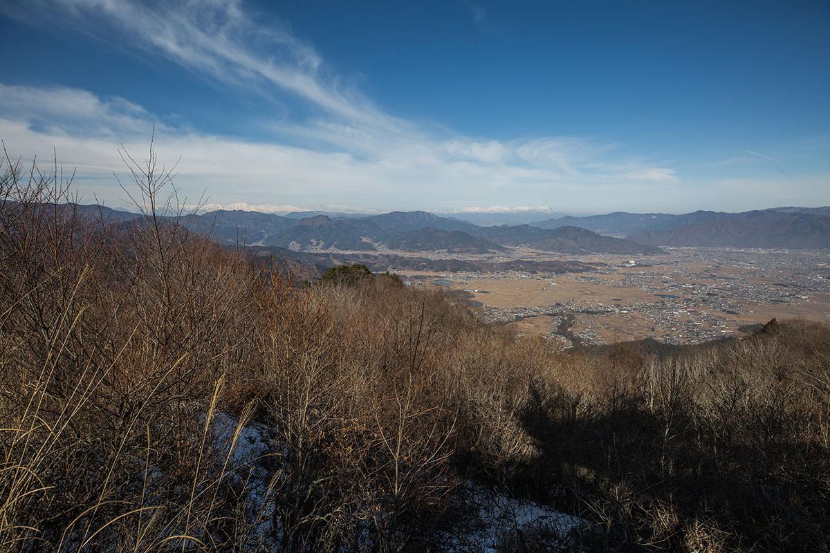 【独鈷山】登山百景-上田の市街地の先に北アルプス