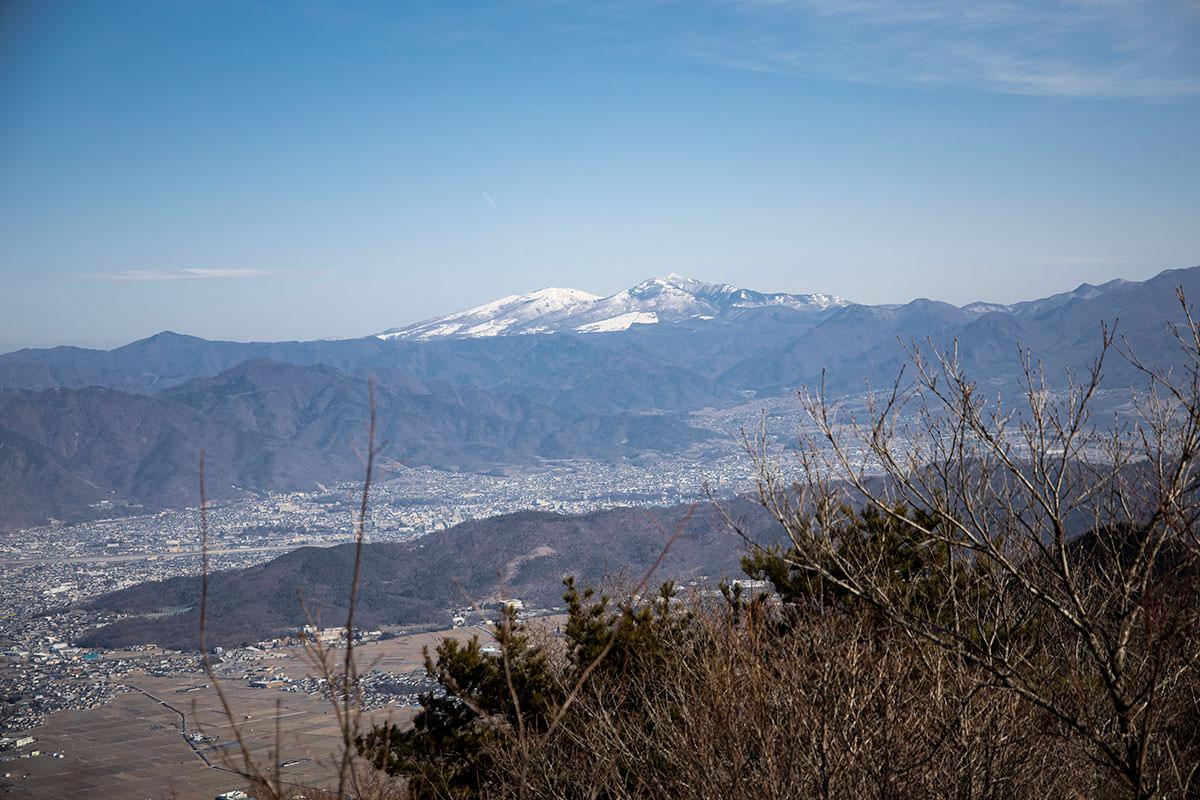 独鈷山-四阿山は白い