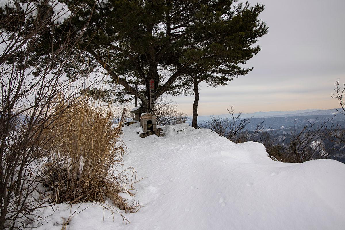 独鈷山-独鈷山の山頂に到着