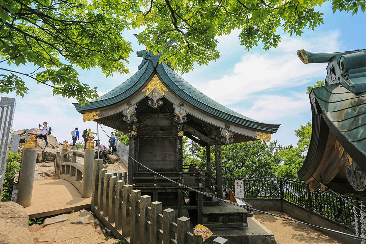 【筑波山 白雲橋コース】登山百景-女体山の社殿