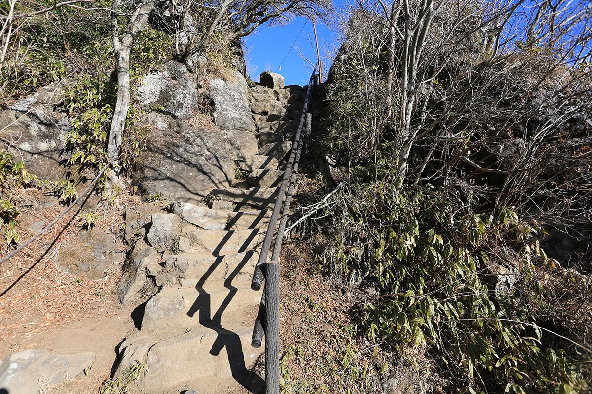 【筑波山】登山百景-階段を登ると男体山