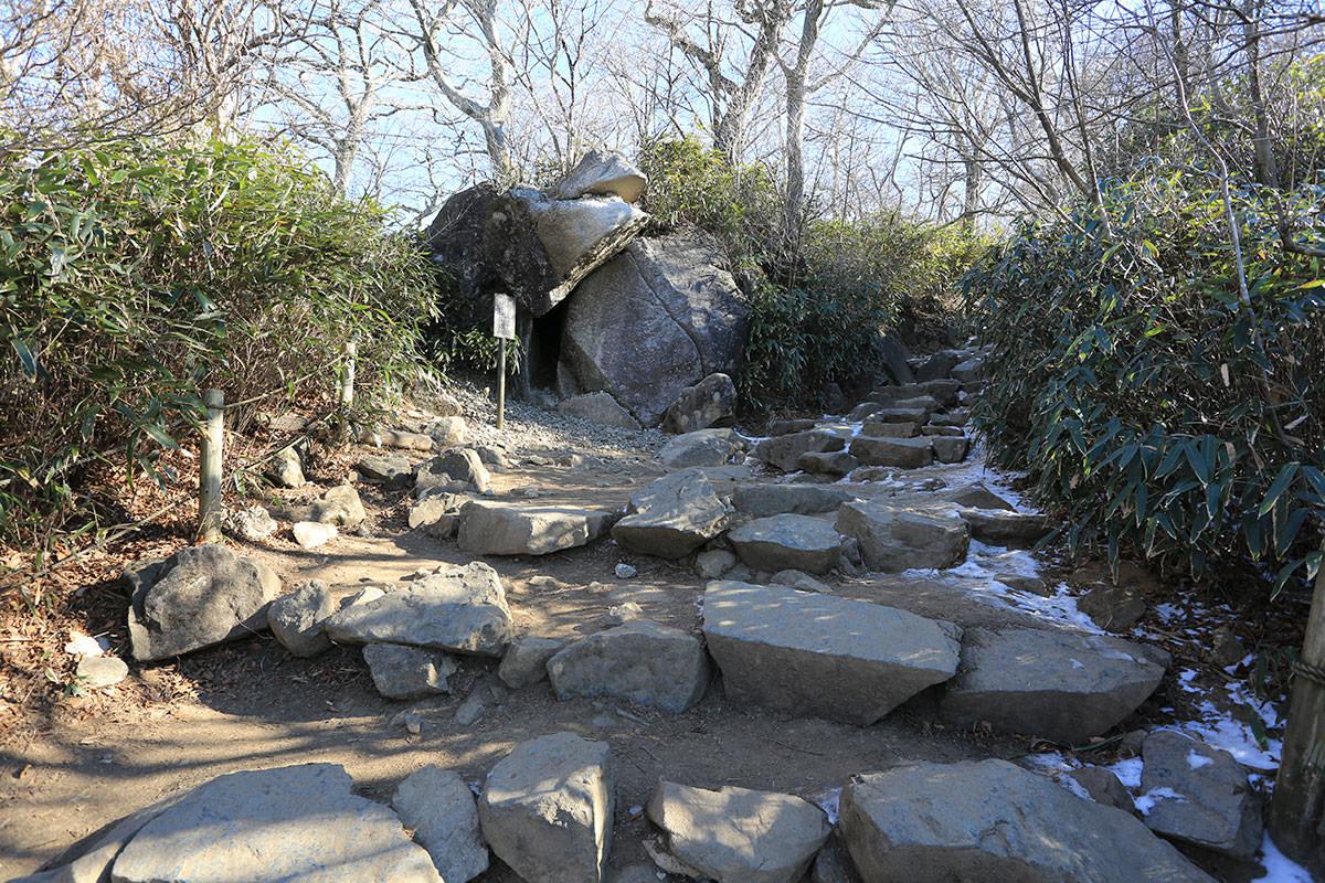【筑波山】登山百景-ガマ岩