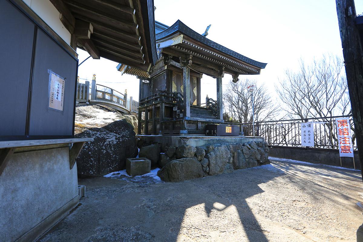 【筑波山】登山百景-女体山の社殿