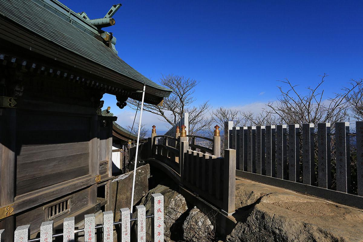 【筑波山】登山百景-社殿の後ろを通る