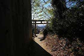 白雲橋の鳥居
