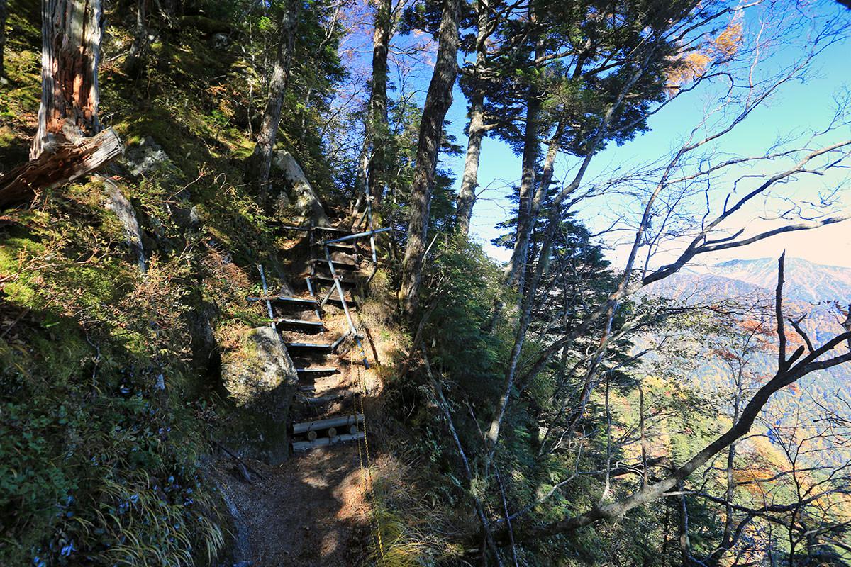 【空木岳】登山百景-階段を上がる