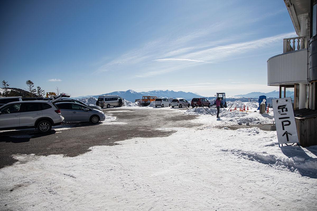 駐車場から八ヶ岳が見える