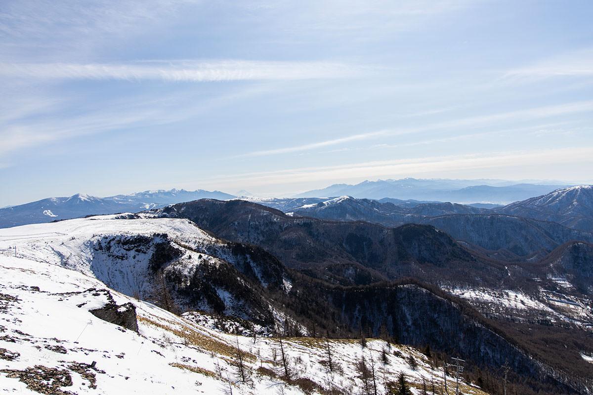 八ヶ岳の方を見る