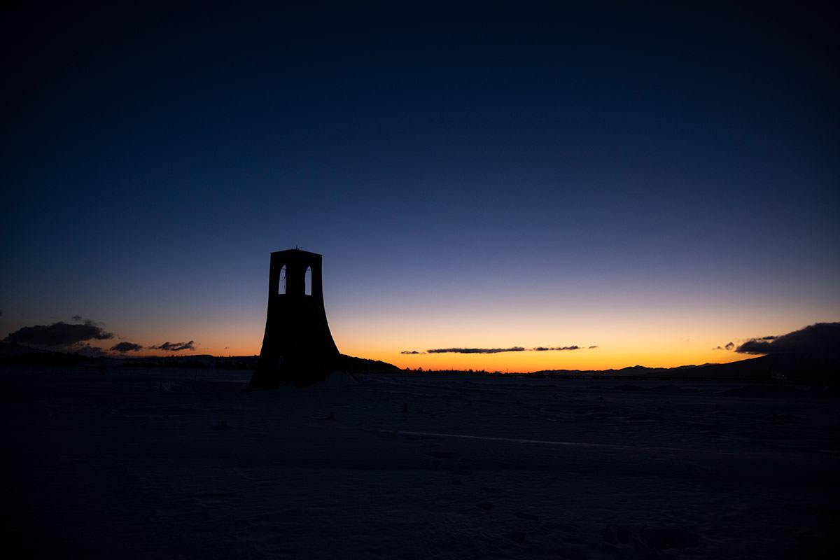少し場所を変えて美しの塔のシルエット
