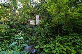 滝谷避難小屋に到着