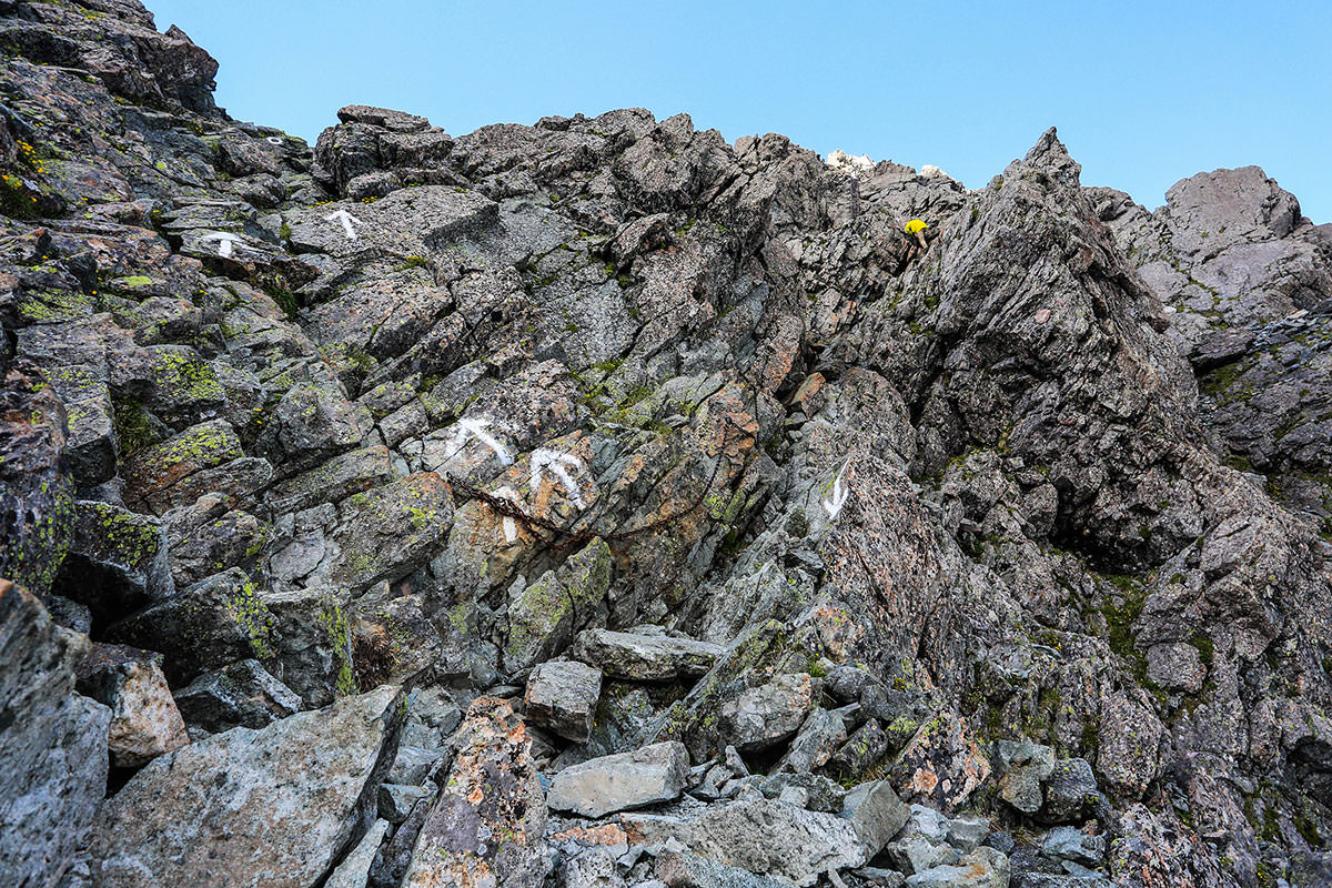 槍ヶ岳-岩場を登る