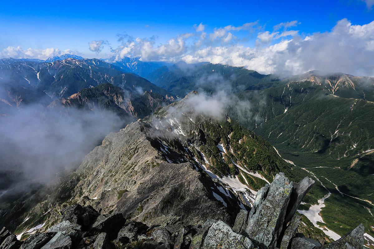 槍ヶ岳-裏銀座と後立山の方向