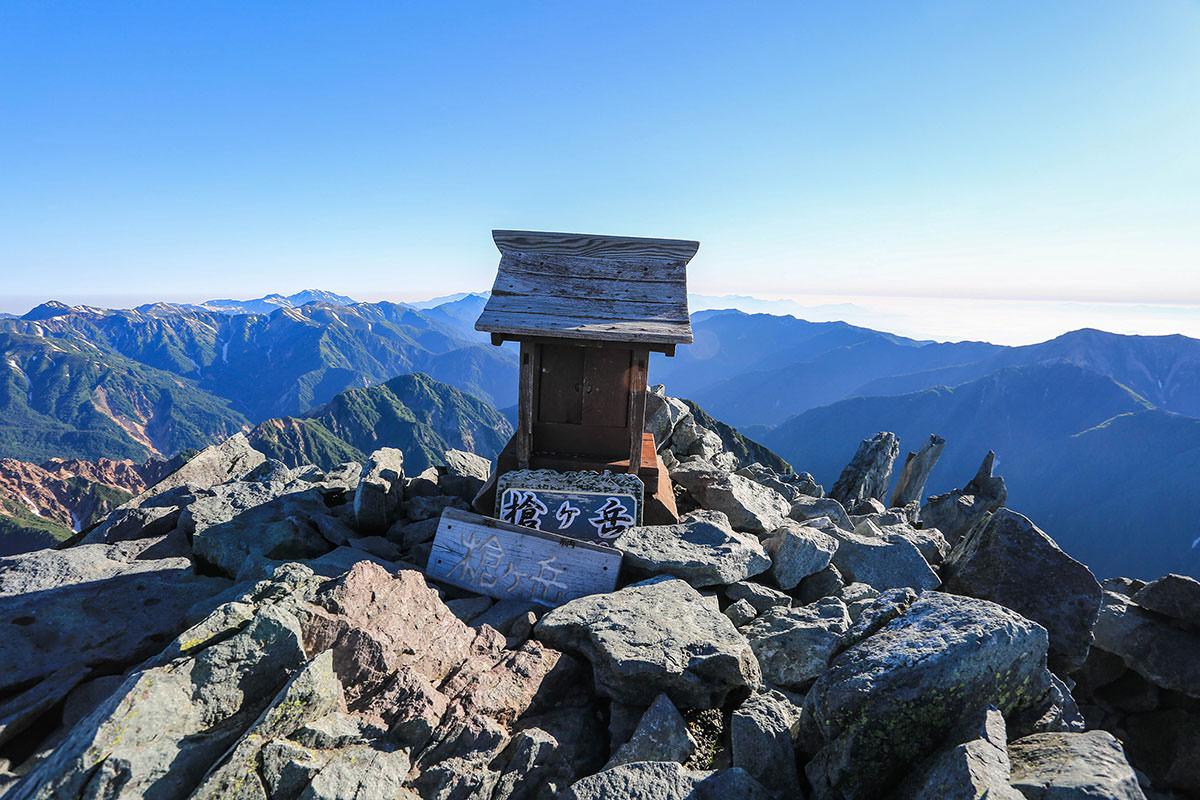 槍ヶ岳-山頂の祠