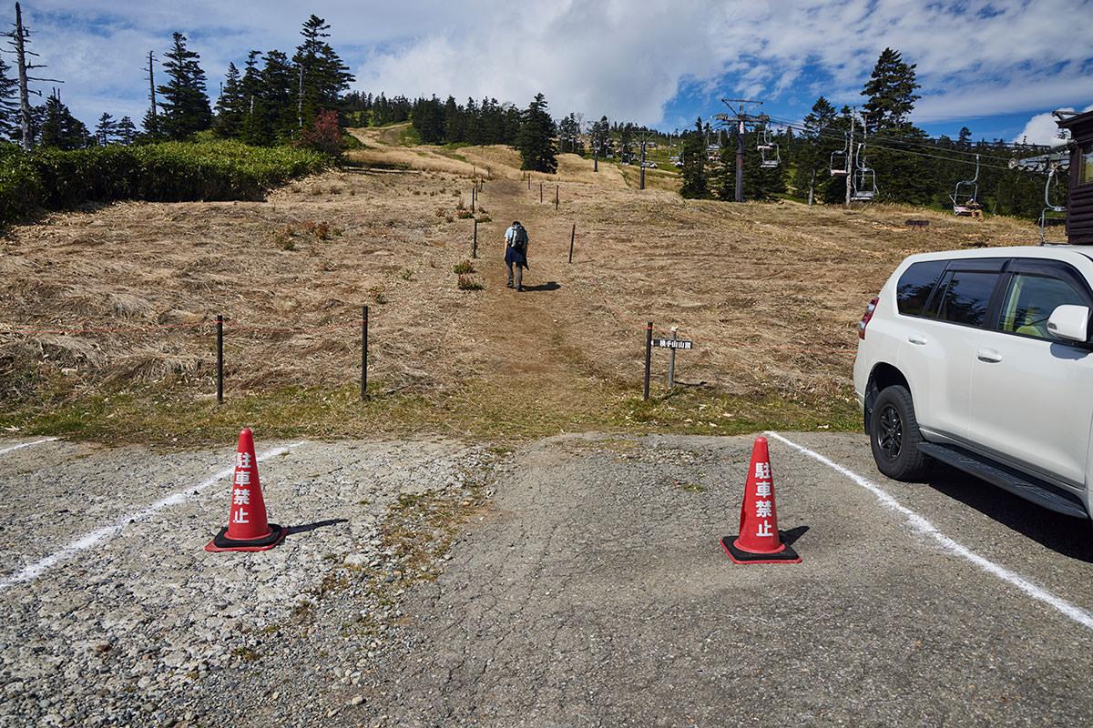 志賀高原横手山-リフト乗り場の横から登れる