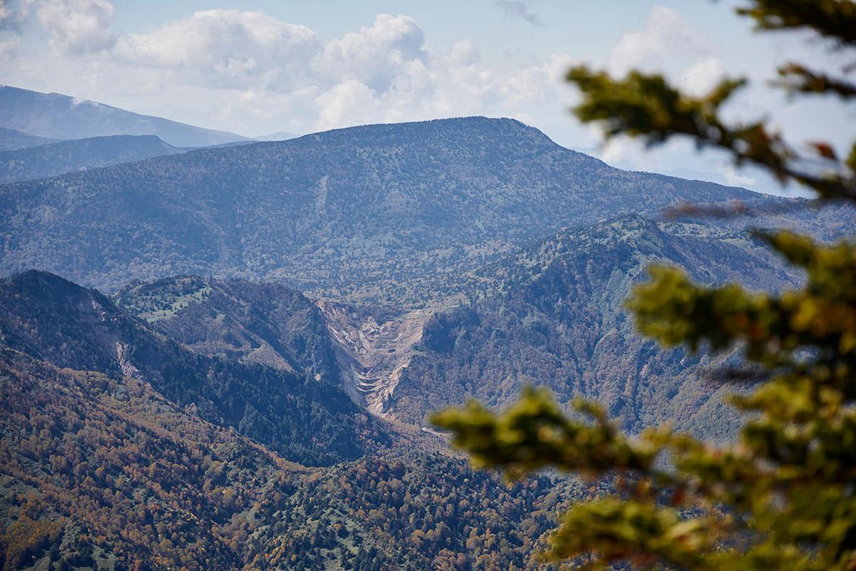 志賀高原横手山-御飯岳のこの角度は見慣れない